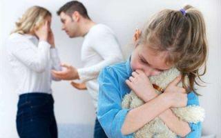 Можно ли отцу забрать детей у пьющей матери — на чьей стороне будет суд, последствия для матери