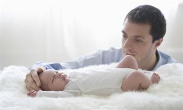 Как матери доказать отцовство если отец против: через суд, чтобы он платил алименты, живем вне брака