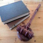 Куда жаловаться на нотариуса - как написать жалобу в прокуратуру, суд, нотариальную палату, образец