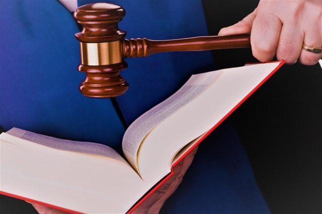 Задерживают зарплату уже больше 3х месяцев - как добиться в суде справедливости?