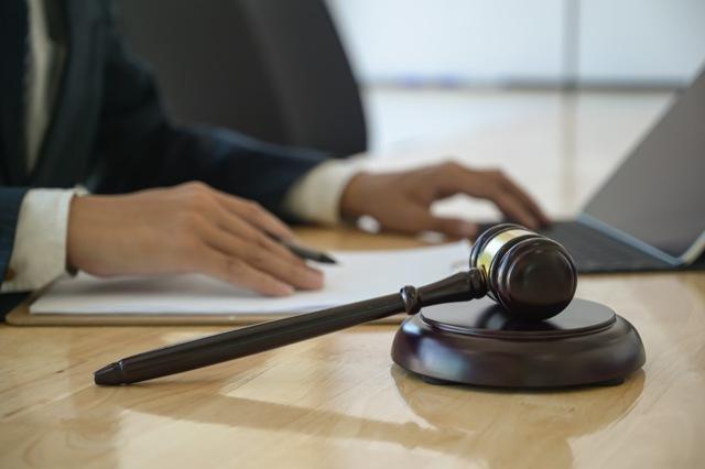 Что описывают судебные приставы за долги по кредиту?