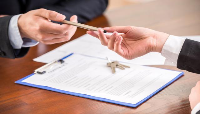 Можно ли продать квартиру по доверенности собственника, который умер?