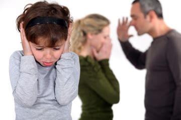 Ограничение родительских прав - в чем отличие от лишения?
