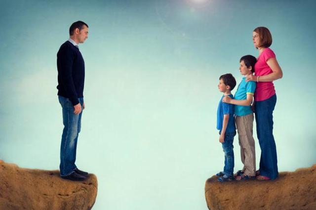 Можно ли отцу забрать детей у пьющей матери - на чьей стороне будет суд, последствия для матери