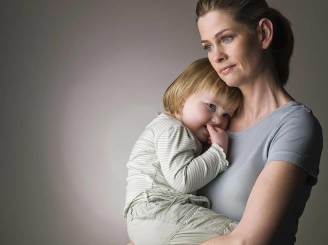 Статус матери-одиночки в России в 2020 г - как оформить, документы, справка по форме 2 (старая 25), подтверждение, закон, что даёт