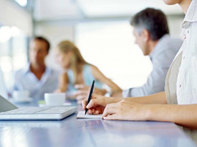 Как ликвидировать ООО путем реорганизации фирмы в форме присоединения?