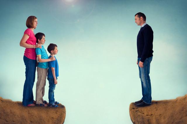 Как подать на алименты если отец живет в другом городе - в какой суд подавать заявление