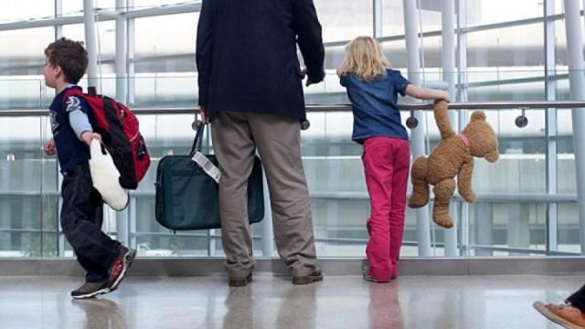 Снятие запрета на выезд ребенка за границу - судебная практика, частые вопросы