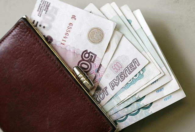 Выплата алиментов в декрете - сколько причитается по закону и как их взыскать?