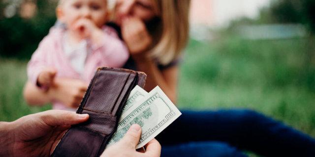 Взыскание алиментов в твердой денежной массе: когда это возможно?