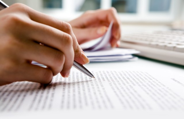 Отказ от наследства в пользу другого лица - как оформить, документы, обязательства, права