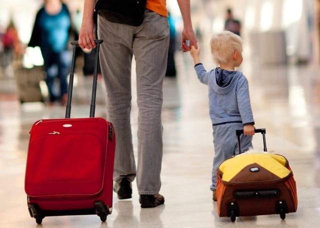 Как запретить выезд ребенка за границу - куда нужно обратиться, какие должны быть основания