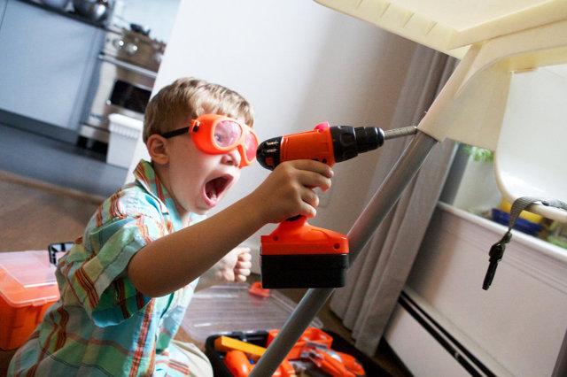 У соседей до поздней ночи шумят дети - что делать?